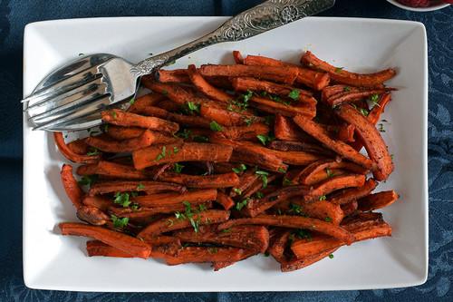Palitos crujientes de zanahorias asadas. Receta saludable