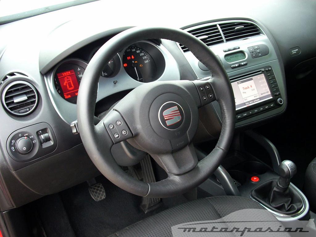 Foto de SEAT Altea XL contra Volkswagen Touran  (21/36)