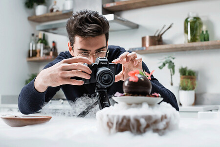 Canon Eos M50 Mark Ii Black Lifestyle Matt Adlard Gif
