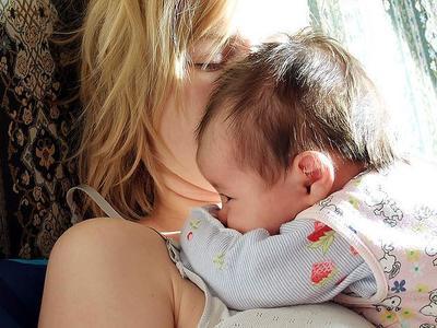 El olor de los bebés es tan adictivo como la droga