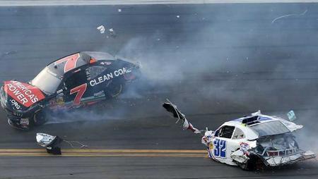 La Daytona 500 sigue adelante
