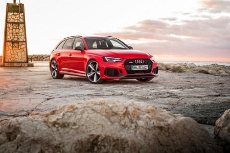 Video: ¿Qué tan rápido es el nuevo Audi RS4 Avant comparado con sus predecesores?