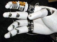 Robot con sensibilidad humana en las manos