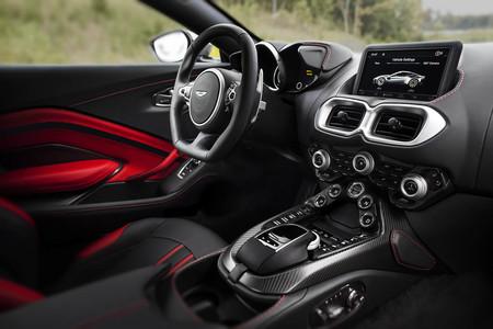 Aston Martin Vantage 2018 interior