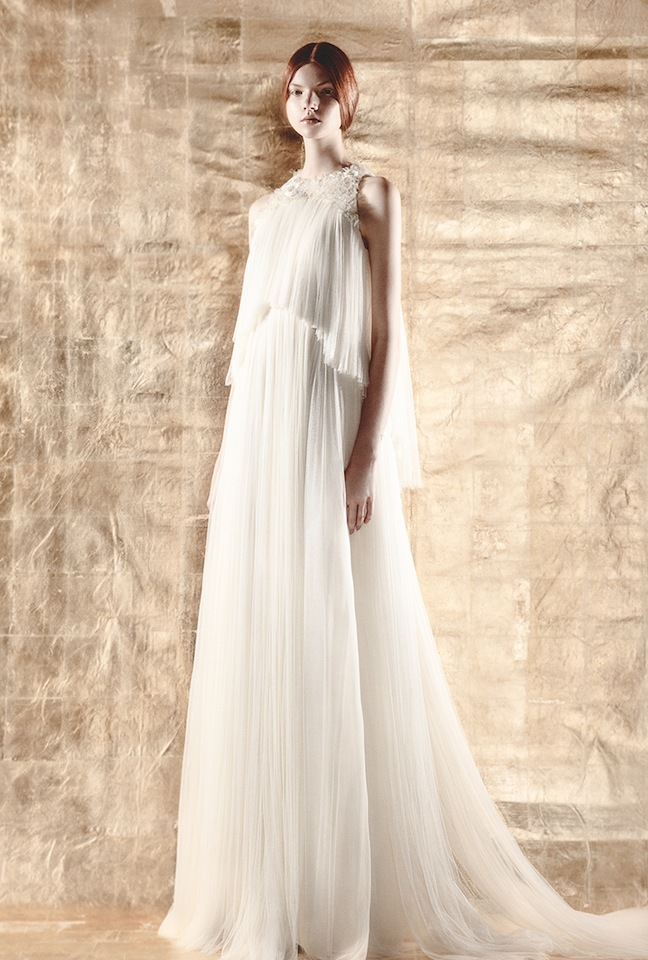 Foto de DELPOZO crea una colección cápsula de vestidos de novia (1/5)