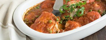Merluza al horno en salsa de tomate, receta fácil y deliciosa