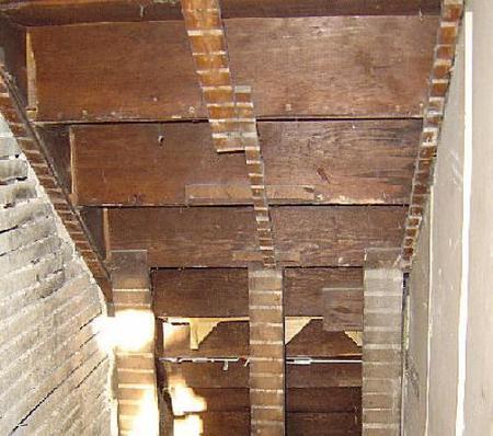 Antes y después: aprovechando el hueco de la escalera