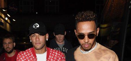 Lewis Hamilton y Neymar salen juntos de fiesta por Londres ¿quién gana este duelo de estilo?