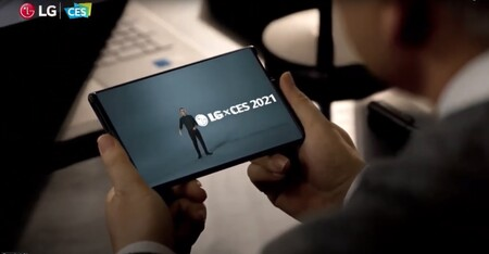 LG nos regala un nuevo vistazo a su teléfono del futuro: su primer smartphone con pantalla enrollable