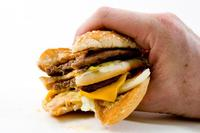 Para reducir el colesterol, ¿es útil disminuir el colesterol que comemos?