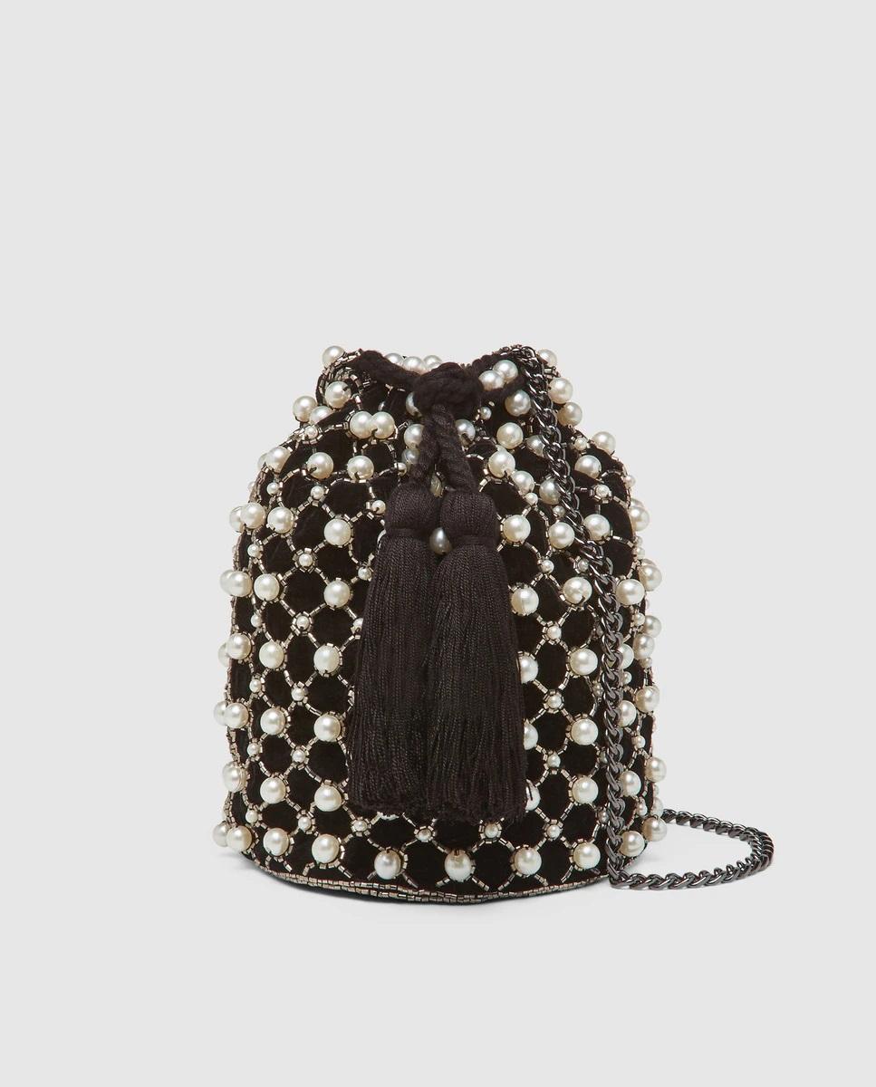 Bombonera de terciopelo con detalles de perlas