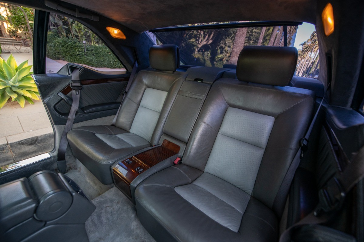 Foto de El Mercedes Benz S600 Lorinser de Michael Jordan, a subasta (14/18)