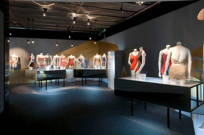 museo-del-traje-baño.jpg