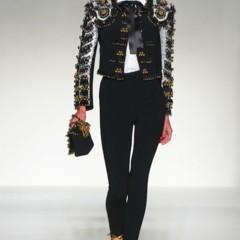 Foto 1 de 43 de la galería moschino-primavera-verano-2012 en Trendencias