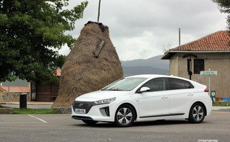 Ruta unplugged por el Urdaibai de Euskadi con el Hyundai IONIQ Híbrido Enchufable