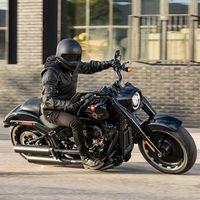 La Harley-Davidson Fat Boy celebra sus 30 años vistiéndose de negro con una serie limitada de 2.500 motos