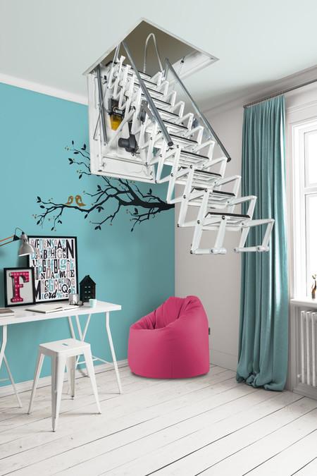 Soluciones creativas con escaleras interiores que aprovechan al máximo el espacio