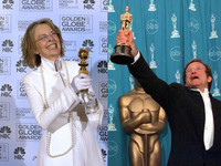 Diane Keaton será una suegra en 'Smother' y Robin Williams un cura en 'License to Wed'