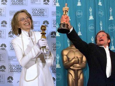 Diane Keaton será una suegra en 'Smother' y Robin Williams un cura en 'License to Wed'