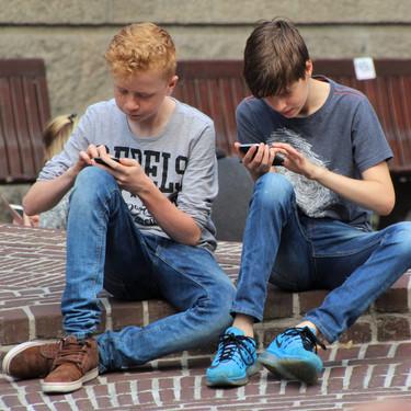 Un padre inventa una app que bloquea el teléfono de nuestros hijos hasta que responden a nuestros mensajes de texto