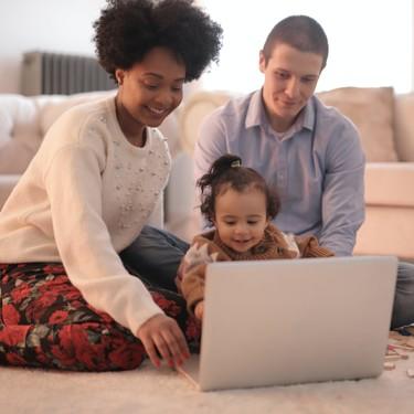 Por qué los niños deberían ver la televisión con subtítulos