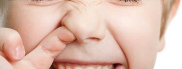 """""""Mi hijo se mete el dedo en la nariz y luego se come los mocos"""": por qué lo hace y cómo ayudarle a dejar este hábito"""