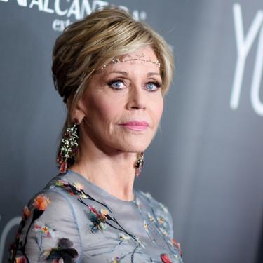 Hoy Jane Fonda cumple 80 años y lo celebramos con todos sus looks de alfombra roja. ¡Es como el vino!
