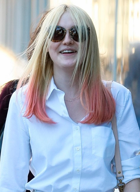 Dakota Fanning mechas rosas
