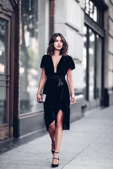 Express Velvet Dress Vivaluxury Annabelle Fleur 6 848x1272