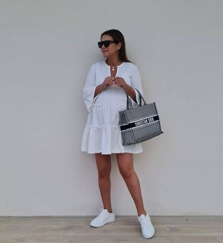 Cinco vestidos blancos con los que copiar el estilo de Paula Echevarría y triunfar con el buen tiempo de la primavera