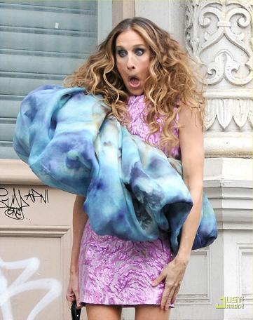 Más looks de Carrie Bradshaw en el rodaje de Sexo en Nueva York