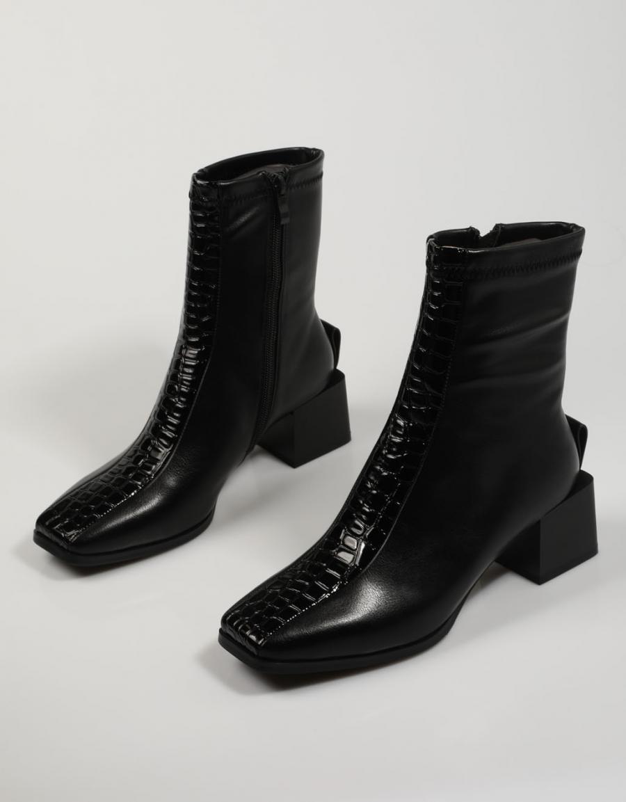 Botines negros de Noa Harmony