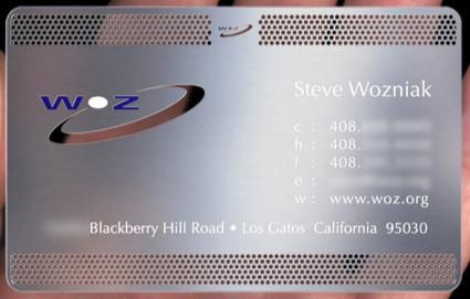 Compra la tarjeta metálica de presentación de Wozniak