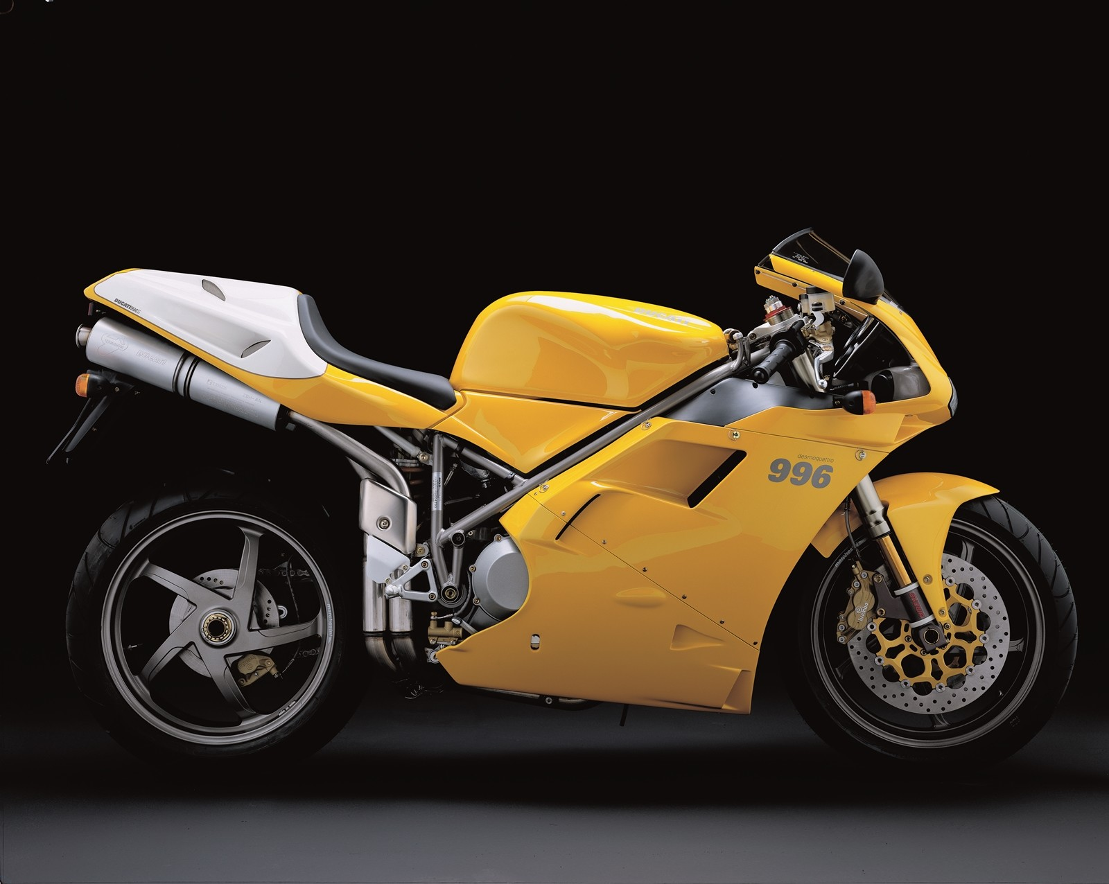 Foto de Ducati Panigale V4 25° Anniversario 916 (70/73)