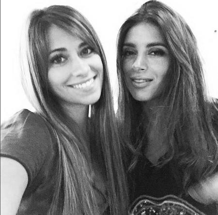 Antonella Y Daniella