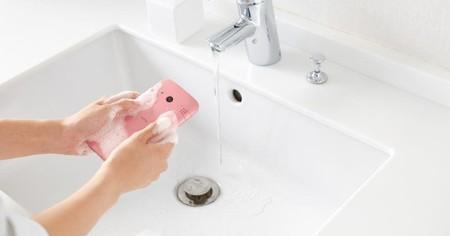 Nuevo Kyocera Digno Rafre, el móvil lavable se renueva y también resiste jabón corporal