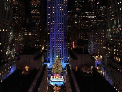 El árbol de Navidad del Rockefeller Center se ilumina para dar comienzo a las navidades 2017