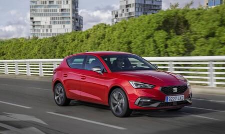 Los coches más vendidos de España en 2020: el SEAT León, el Dacia Sandero y el Nissan Qashqai, en lo más alto