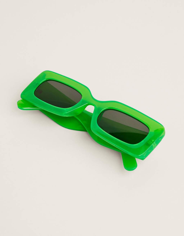 Gafas de sol rectangulares de pasta.