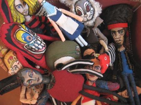 Mediodescocido, muñecos de tela o pequeñas obras de arte