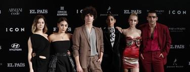 Los actores de Élite eligen los looks más originales de los Premios Icon