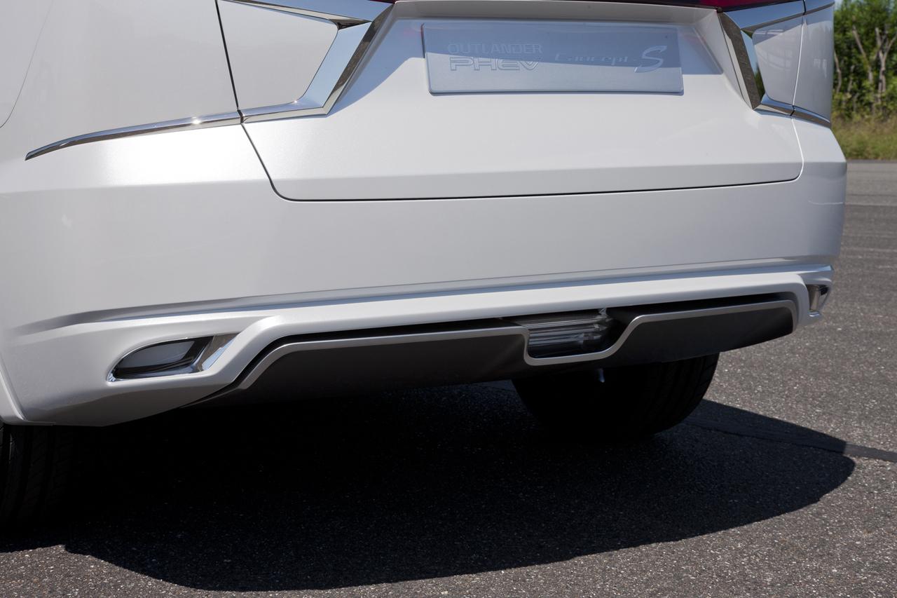 Foto de Mitsubishi Outlander PHEV Concept-S (23/49)