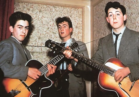 John Lennon, Paul Mccartney y George Harrison como The Quarrymen.