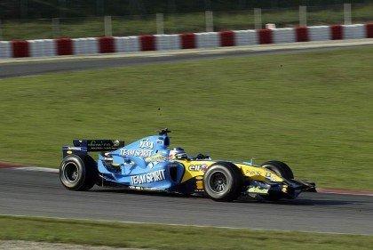 Carlos Sainz con un F1 en Montmelo