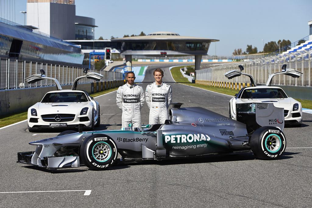 Foto de Mercedes AMG F1 W04 (1/7)