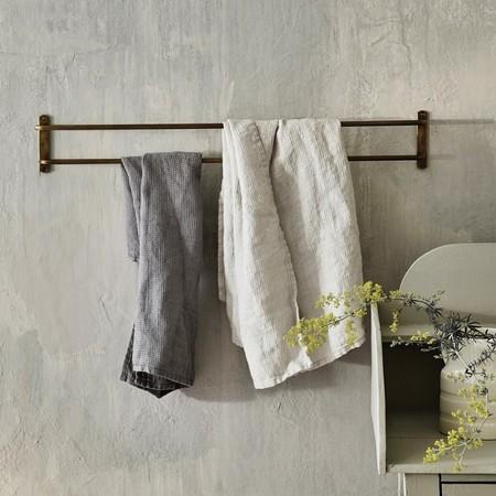 R W Bathroom Bilton Doubletowelrail Brass 02 1