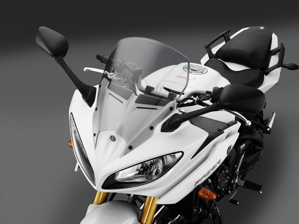 Yamaha Fazer8, el mismo producto con dos enfoques