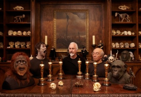 Rick Baker y algunos de sus trofeos