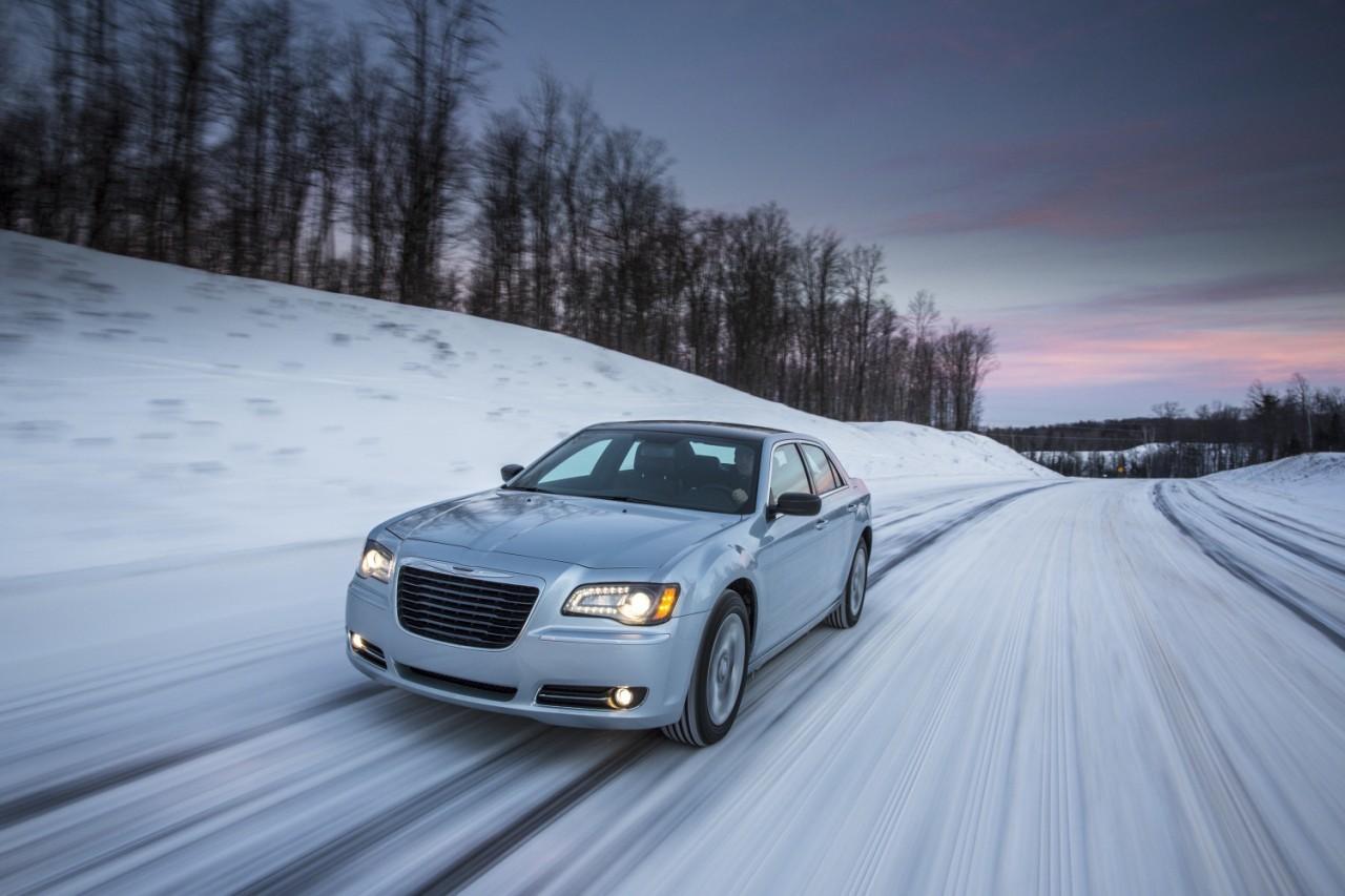 Foto de 2013 Chrysler 300 Glacier (22/27)