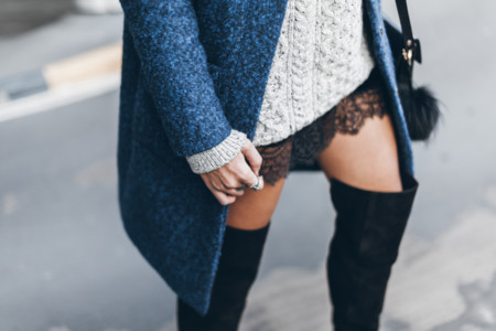 Ahora es el momento de lucir mini falda y botas. ¿Te atreves?